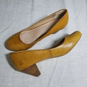 Restricted Camel Low Heel Rounded Toe Heels SZ 8